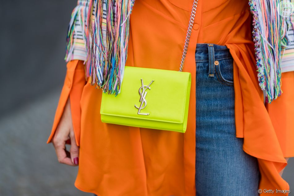 Neon: bolsa neon de Yves Saint Laurent