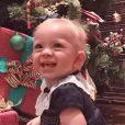 Manuela, filha de Eliana e Adriano Ricco, esbanjou fofura no Natal de 2018