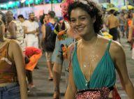 Sophie Charlotte combina look com pochete de glitter ao curtir bloco em Salvador