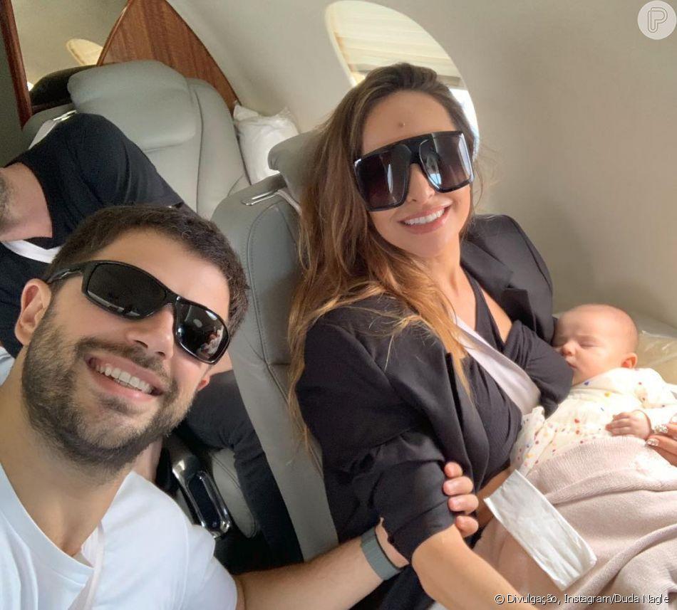 29843af51c5fb Sabrina Sato viaja para o Rio de Janeiro com Duda Nagle e a pequena Zoe