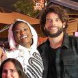 Erika Januza postou foto ao lado do namorado, Victor Evangelista, em passeio a parque de diversões dos EUA