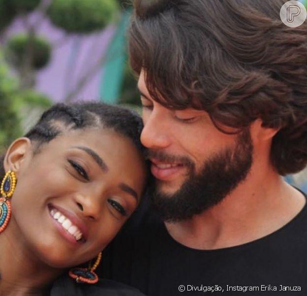 Erika Januza e o namorado, Victor Evangelista, estão viajando pelos EUA