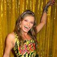 Baile da Vogue: Renata Bastos escolheu look colorido para a festa de gala
