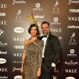 Baile da Vogue: Melissa Fernandes elegeu um longo de ombro só com animal print