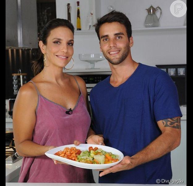 Aprenda a fazer a salada preferida de Ivete Sangalo. A receita foi elaborada pelo marido da cantora, o nutricionista Daniel Cady
