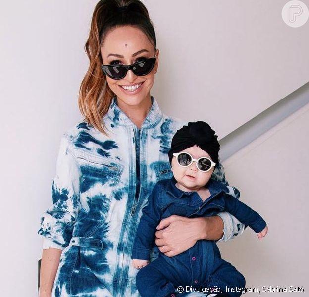 Sabrina Sato compartilha rotina com a filha de 4 meses, Zoe, em vídeo no Youtube postado nesta segunda-feira, dia 08 de abril de 2019