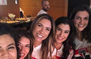 Iguais? Patricia Abravanel mostra clique com irmãs e semelhança impressiona