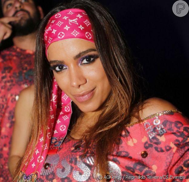 Mc Rebecca nega envolvimento com Anitta: 'Eu sempre fui fã'