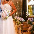 Jeniffer Nascimento tem vestido de noiva assinado pelo  Atelier Marie Lafayette
