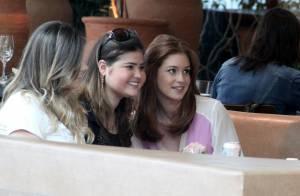 Marina Ruy Barbosa curte folga das gravações de 'Império' em almoço com amigas