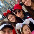 Rodrigo Faro, a mulher, Vera Viel, e as filhas, Clara, Maria e Helena,estão passando dias na Disney