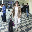 Thaila Ayala recebe carinho de fãs no aeroporto de Congonhas, em São Paulo, nesta quarta-feira, 08 de maio de 2019