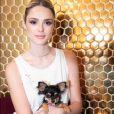 Isabelle Drummond levou o seu novo cachorrinho, Moyses, da raça chihuahua para a inauguração da nova loja da Animale ORO, nesta quarta-feira, dia 08 de maio de 2019