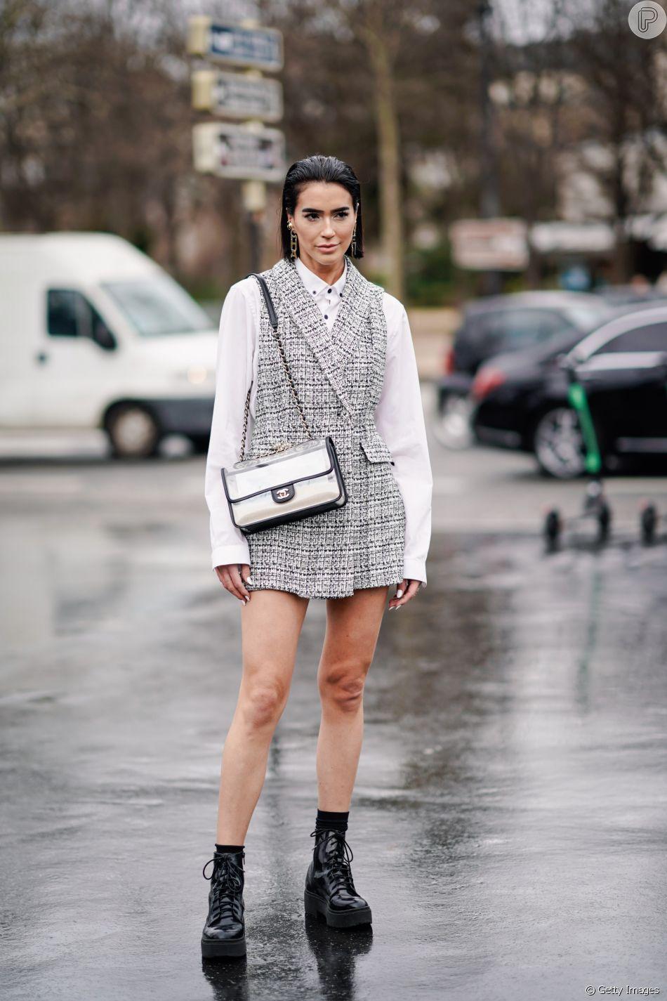 No inverno, vestidos com sobreposições podem ser combinados com ...