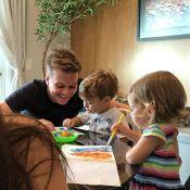 Thais Fersoza mostra Teló brincando com filhos, Melinda e Teodoro: 'Família'