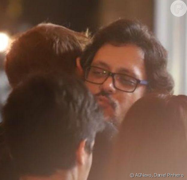Fabio Porchat consolou Lúcio Mauro Filho no velório de Lúcio Mauro: 'Era um gênio'