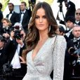 Izabel Goulart no tapete vermelho de Cannes veste look Zuhair Murad