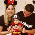 Filho de Wesley Safadão, Dom, de 8 meses, encantou a web ao surgir fantasiado de Pato Donald, após comemorar mêsversário vestido de Mickey: 'Príncipe'
