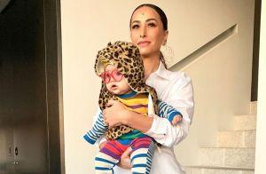 Touca de raposa e short: Sabrina Sato elege roupa acessível em look da filha