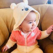 Ursinho Pooh e sapinho: Sabrina Sato mostra filha, Zoe, com looks fofos. Fotos!