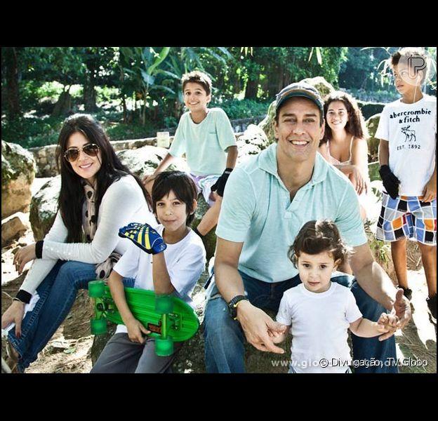 O Dia das Crianças é de muita festa na casa de Marcello Antony, pai de cinco filhos