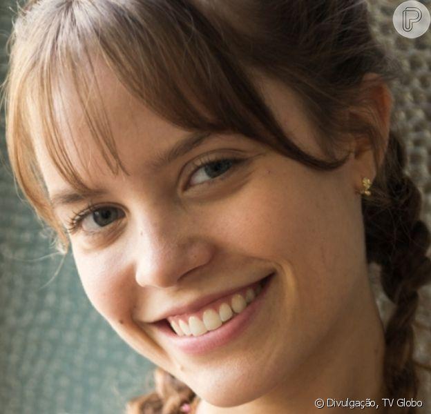 Joana Borges se comparou a Larissa Manoela em foto: 'Bem que disseram que estou a cara dela'
