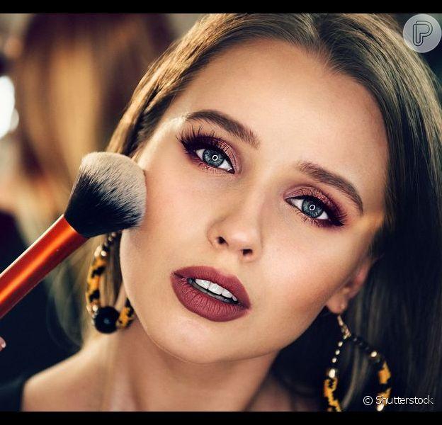 Descubra 5 erros de maquiagem que envelhecem o rosto!