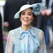 Decote pussybow & poás: o look ladylike de Kate Middleton no Royal Ascot. Fotos!