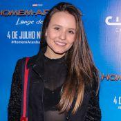 'Homem-Aranha' carrega Larissa Manoela no colo em pré-estreia do filme. Fotos!
