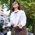 Bruna Marquezine explica a fã: 'O que importa é o que eu falo pra pessoa'