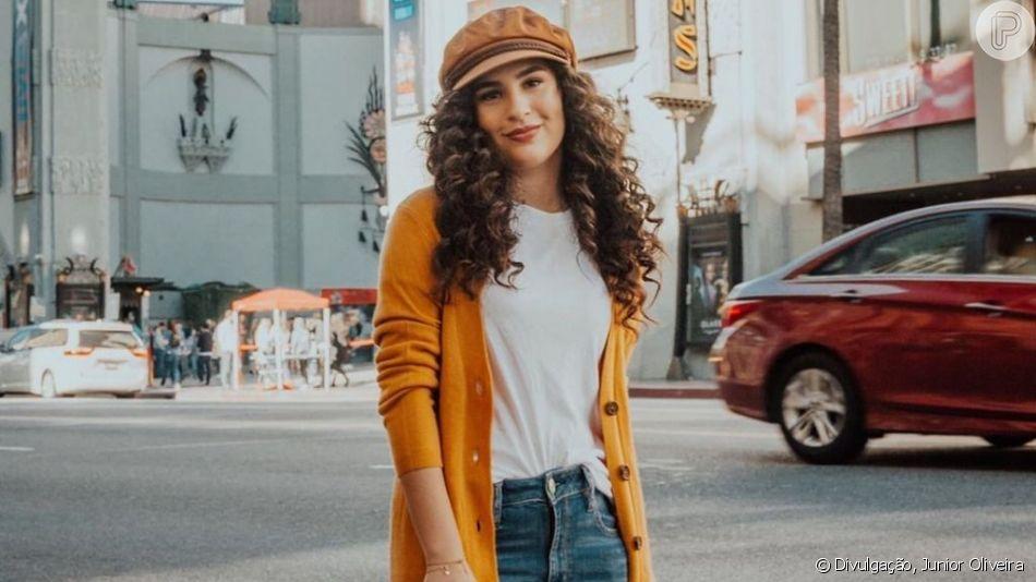 Lívian Aragão contou que peça jeans não pode faltar em seu closet