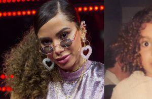 Anitta posta fotos da infância diante de críticas sobre cabelo em clipe. Saiba!