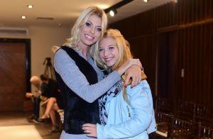 Filha de Carol Bittencourt rebate crítica em foto sorrindo:'Não vou me esconder'
