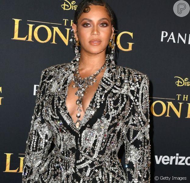 Vestido usado por Beyoncé em clipe de 'Rei Leão' é de estilista brasileira