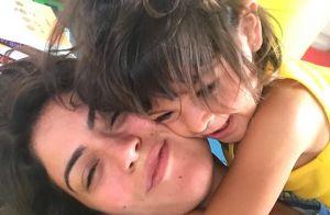 Semelhança entre Carol Castro e filha, Nina, impressiona web: 'Xerox'. Foto!