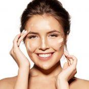 Como escolher e aplicar a base de make na pele oleosa e evitar o brilho no rosto