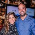 Camilla Camargo e o marido, Leonardo Lessa, se dividem nos cuidados com o filho, Joaquim: 'Dividimos à noite'