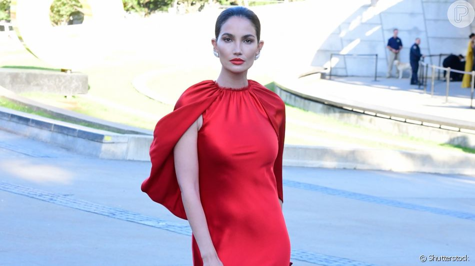 Descubra o tipo de vestido que valoriza cada formato de corpo