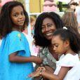 Jornalista Gloria Maria sobre adoção das filhas Laura, de 5 anos, e Maria, de 6 anos: 'Elas me escolheram'