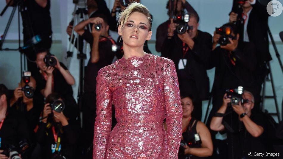 Looks em tons de rosa são tendência no Festival de Cinema de Veneza. Inspire-se!