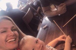 Filha de Eliana completa 2 anos e aparece em foto com pais e irmão: 'Te amamos'