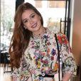 Marina Ruy Barbosa é uma das famosas brasileiras que mais usa vestidos florais em seu dia a dia