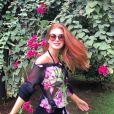 A atriz Marina Ruy Barbosa aposta em vestidos florais também para seu cotidiano