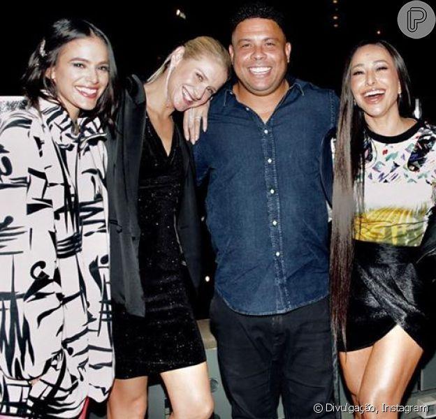 Sabrina Sato e Bruna Marquezine prestigiam festa de 43 anos de Ronaldo Nazário