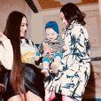Bruna Marquezine tieta Zoe, filha de Sabrina Sato, momentos antes da festa de Ronaldo Nazário