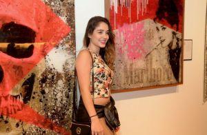 Anitta faz caras e bocas em novas fotos com Vitão e aumenta shipper: 'Que casal'
