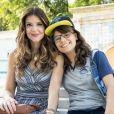 Carla (Mariana Santos) se preocupa com os shows de Raíssa (Dora de Assis) na novela 'Malhação: Toda Forma de Amar'