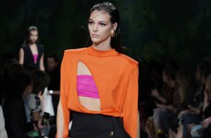 Match fashion: rosa e laranja nas passarelas inspiram o seu look de verão