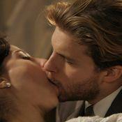 Beijos de Edgar (Thiago Fragoso) e Laura em 'Lado a Lado' comovem fãs no Twitter