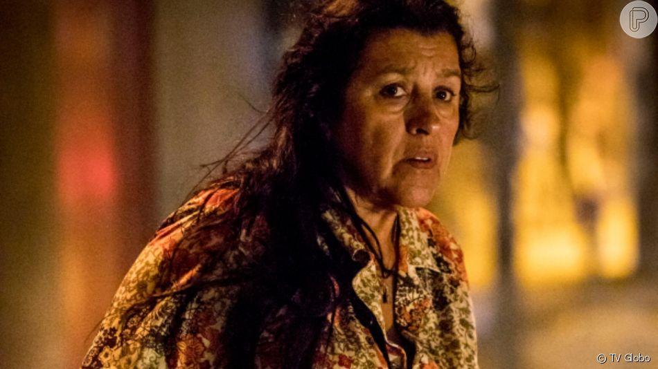Lurdes (Regina Casé) tem cinco filhos, sendo 1 deles adotado e 1 vendido quando tinha apenas 2 anos de idade na novela 'Amor de Mãe'